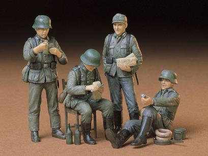 German Soldiers At Rest Kit